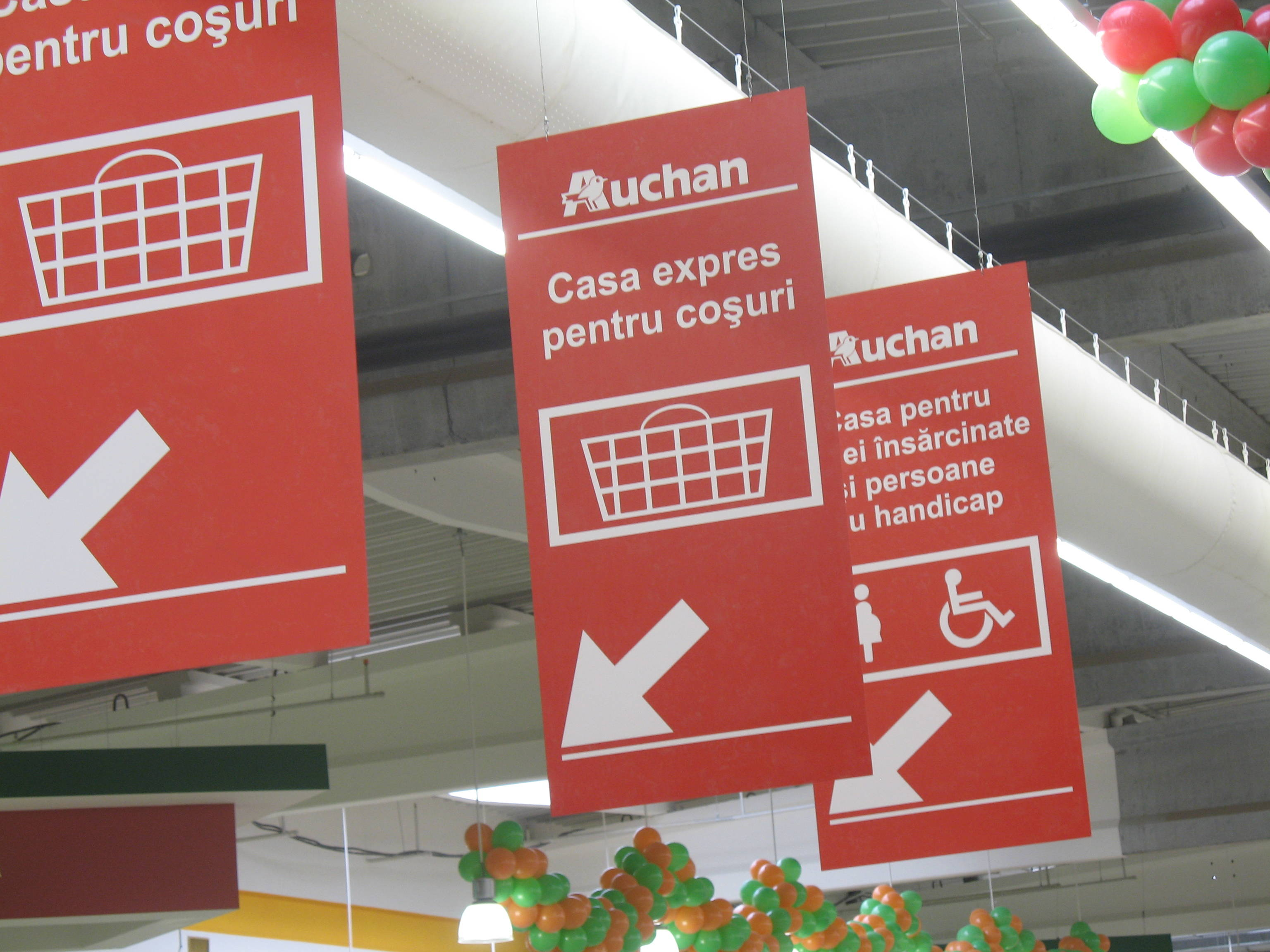 Program Auchan de Craciun si Revelion